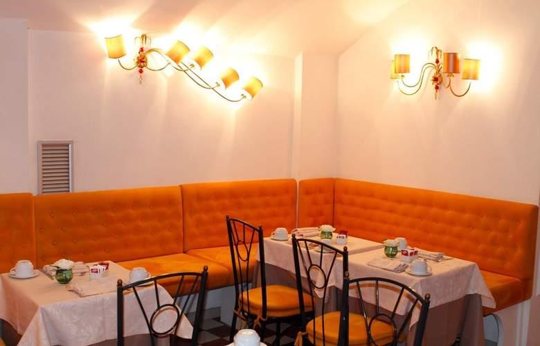 Boutique Trevi - Restaurant - 10