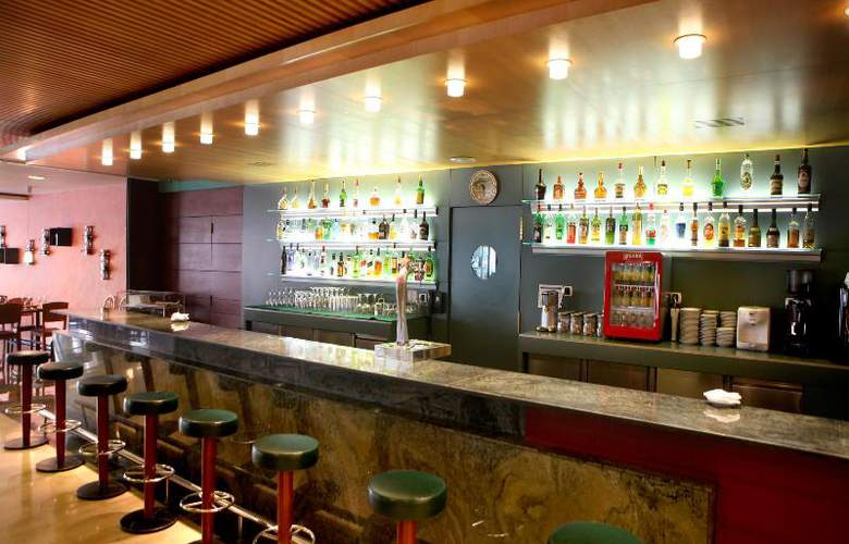 Tulip Inn Andorra Delfos - Bar - 23