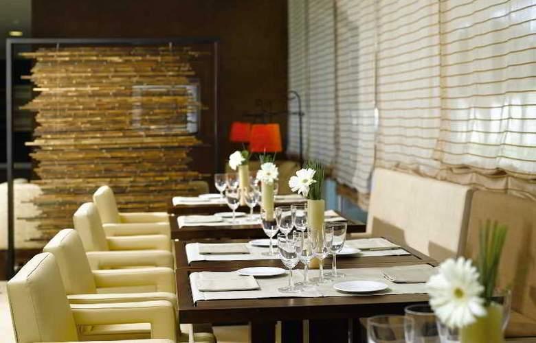 NH Sant Boi - Restaurant - 11