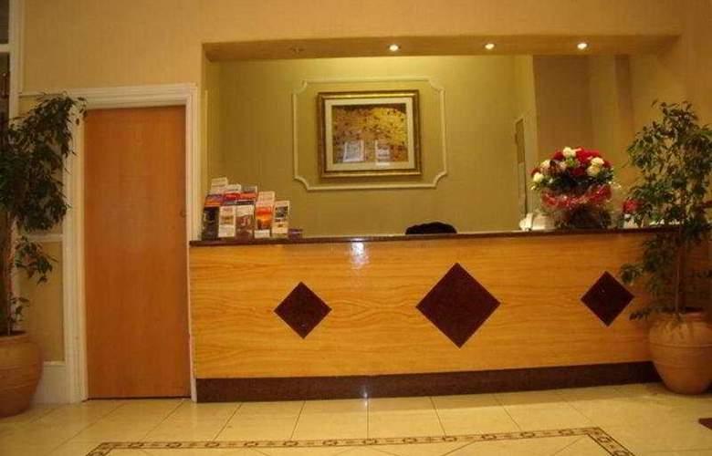 Avon Hotel - General - 1