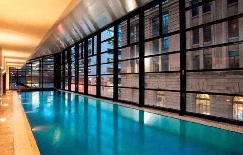 Rendezvous Hotel Adelaide - Pool - 11