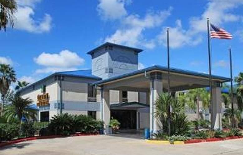 Quality Inn & Suites Yacht Club Basin - Hotel - 0