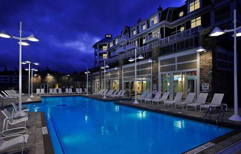 JW Marriott The Rosseau Muskoka Resort & Spa - Pool - 9