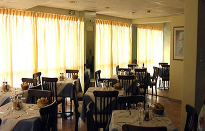 Apollo - Restaurant - 2