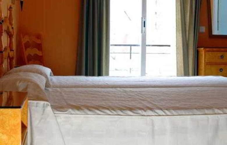 Es Furio - Room - 1