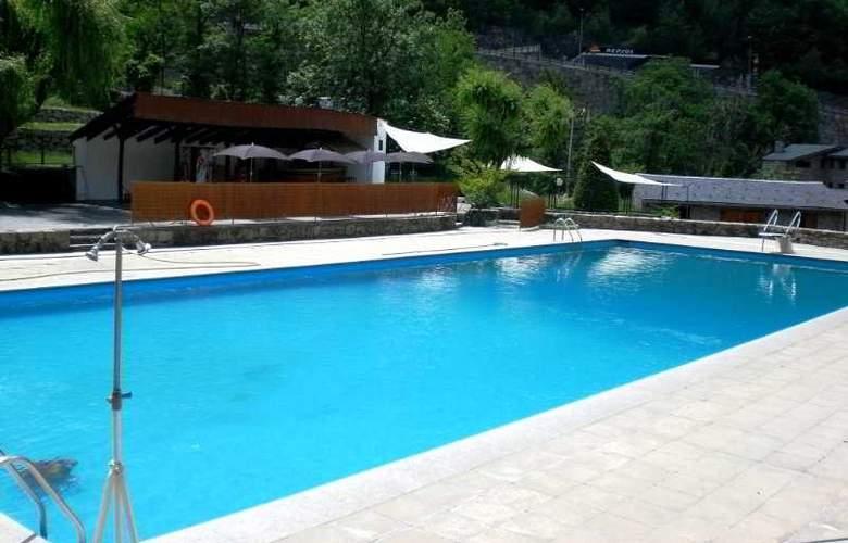 Cosmos Hotel - Pool - 3