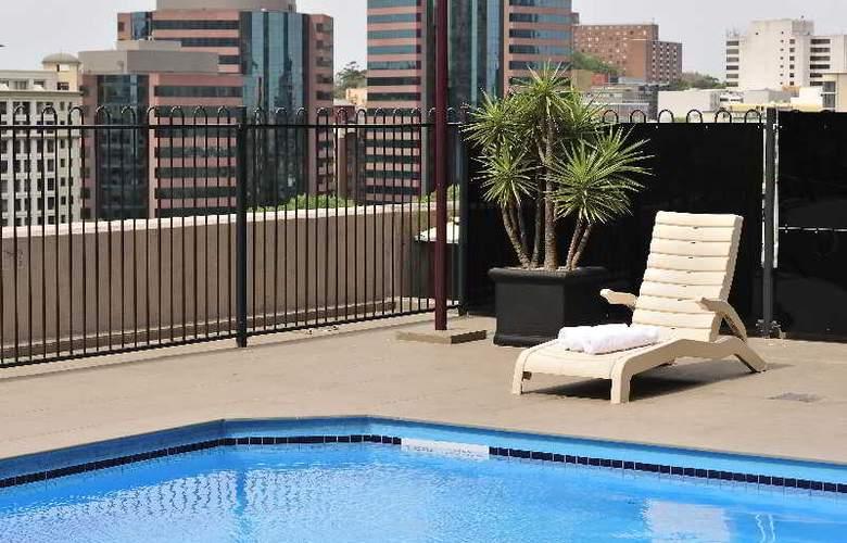 Metro Hotel Sydney Central - Pool - 3
