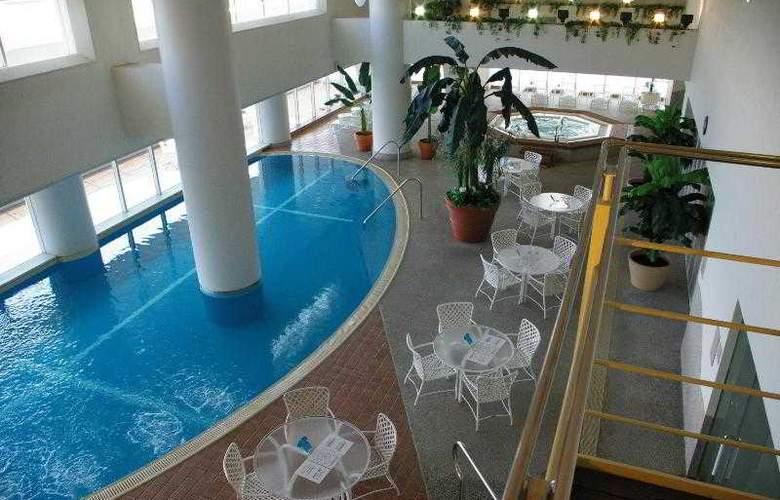 Kobe Meriken Park Oriental - Hotel - 1