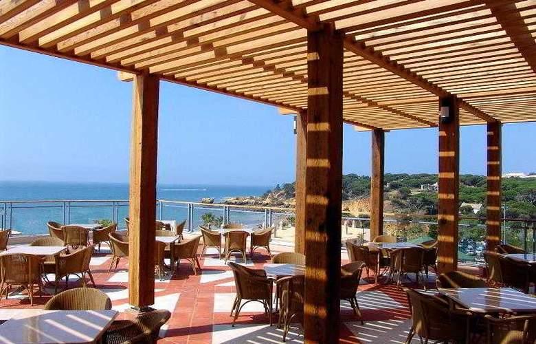 Grande Real Santa Eulalia Resort & Hotel Spa - Bar - 21