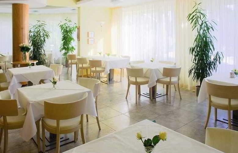 Set - Restaurant - 3