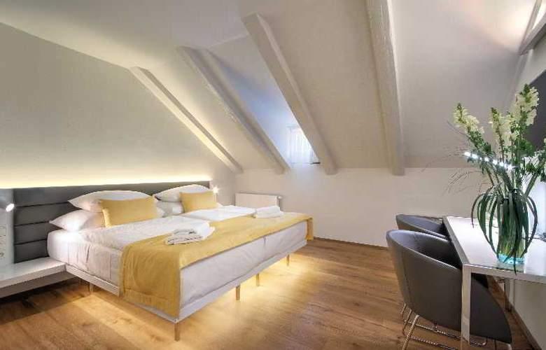 Bishop house - Room - 20