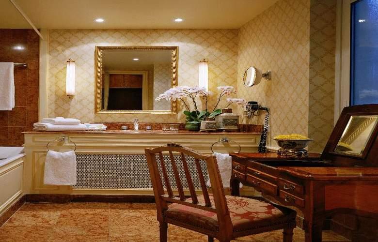 San Regis - Room - 31