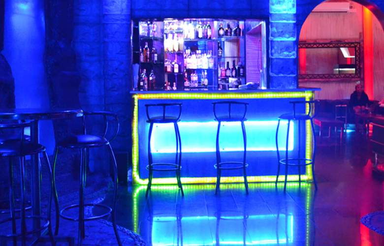 Fairway Hotel & Spa - Bar - 3
