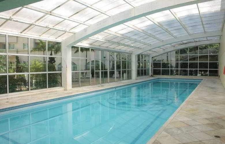 Quality Suites Bela Cintra - Pool - 3