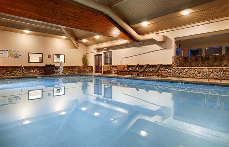 Best Western Plus Tree House Motor Inn - Pool - 55