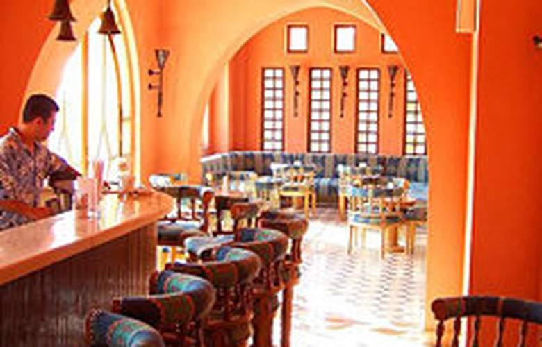 Sultan Bey Hotel - Bar - 6