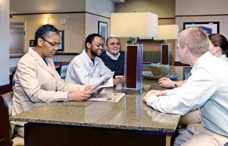 Hampton Inn & Suites Oklahoma City-Bricktown - Hotel - 4