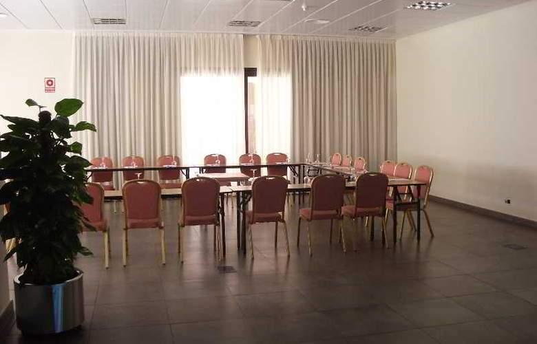 Alcalá Plaza - Conference - 19