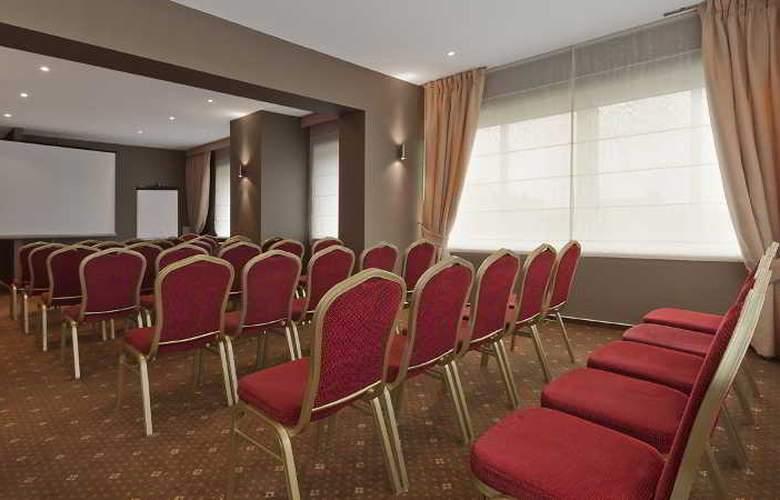 Warminski - Conference - 17