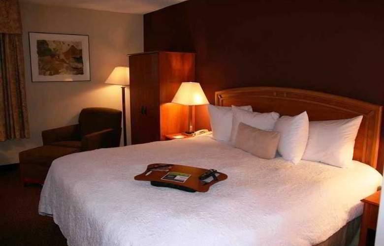 Hampton Inn Newark-Airport - Room - 7