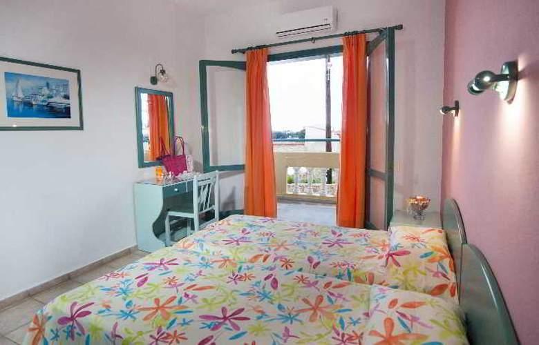 Theoni Apartments - Room - 10