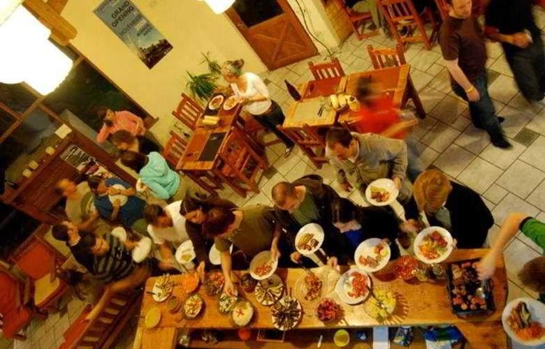 America del Sur Hostel Calafate - Restaurant - 6