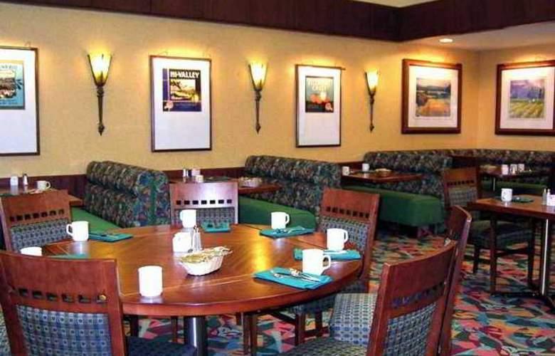 DoubleTree by Hilton Hotel Bakersfield - Hotel - 10