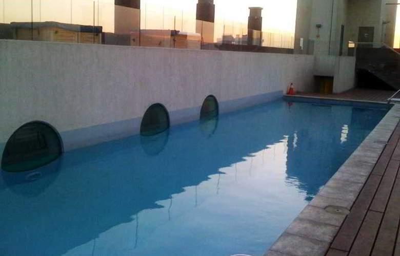 Tour Apart Hotel - Pool - 2