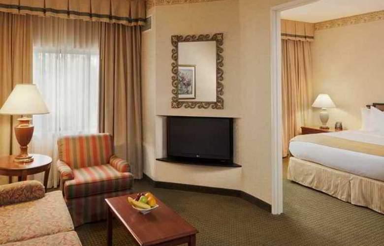 Doubletree Guest Suites Cincinnati Blue Ash - Hotel - 0