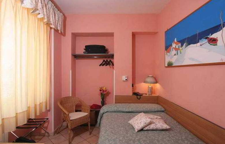 Europeo & Flowers - Sea Hotels - Room - 7