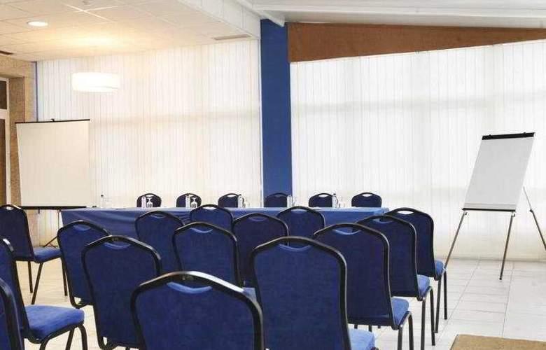Crunia - Conference - 7