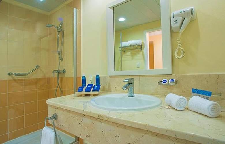 Costa Verde Plus Beach Resort - Room - 7