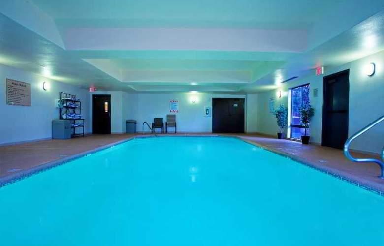 Hampton Inn Flagstaff - Pool - 13