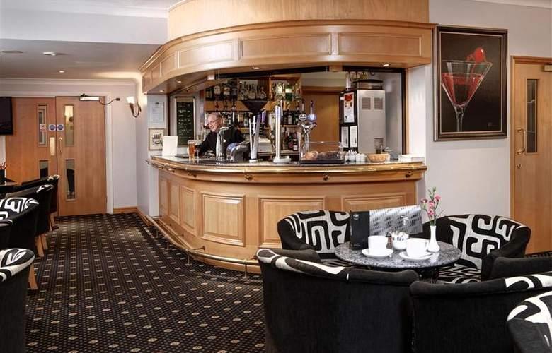 Best Western Bentley Leisure Club Hotel & Spa - Bar - 98