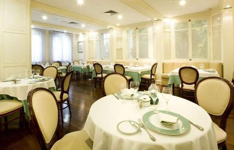 Monarque Sultan Aparthotel - Restaurant - 32
