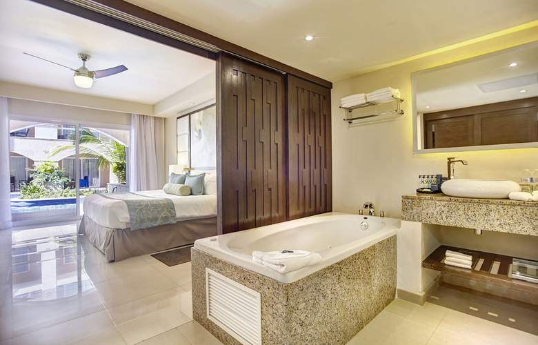 Royalton Punta Cana Resort & Casino - Room - 7