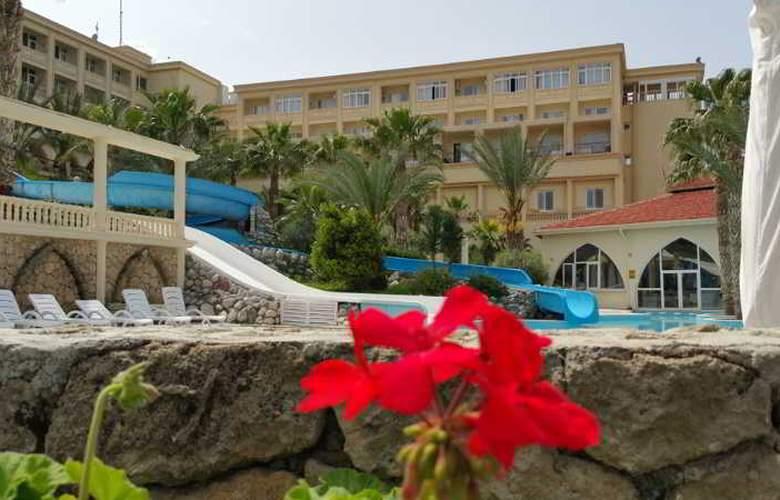 Oscar Resort - Pool - 26