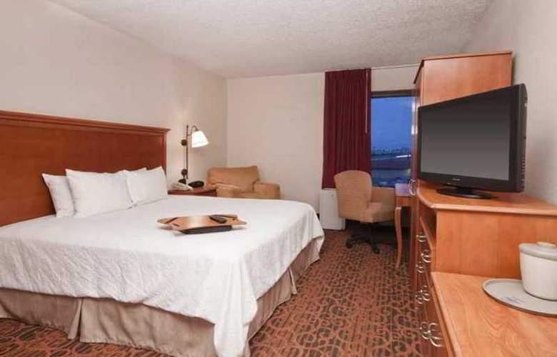 Hampton Inn Laredo - Hotel - 1