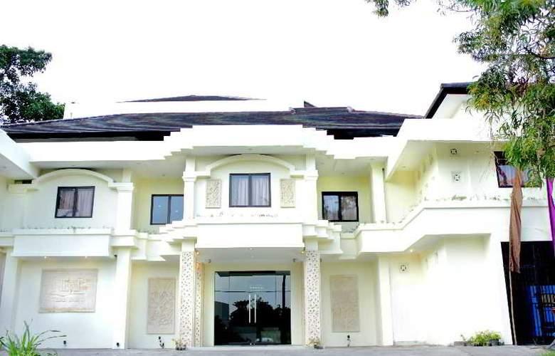Next Tuban Bali - Hotel - 3