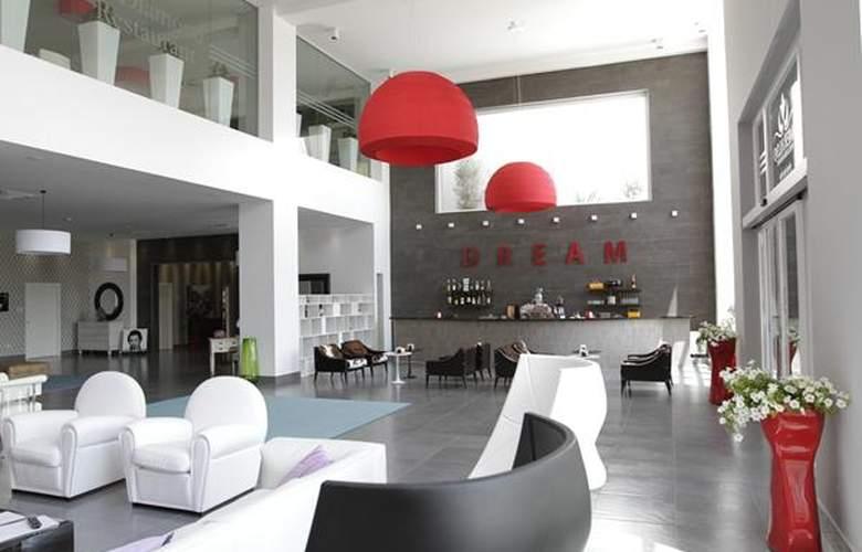 Smeraldo Wellness Resort - Hotel - 2