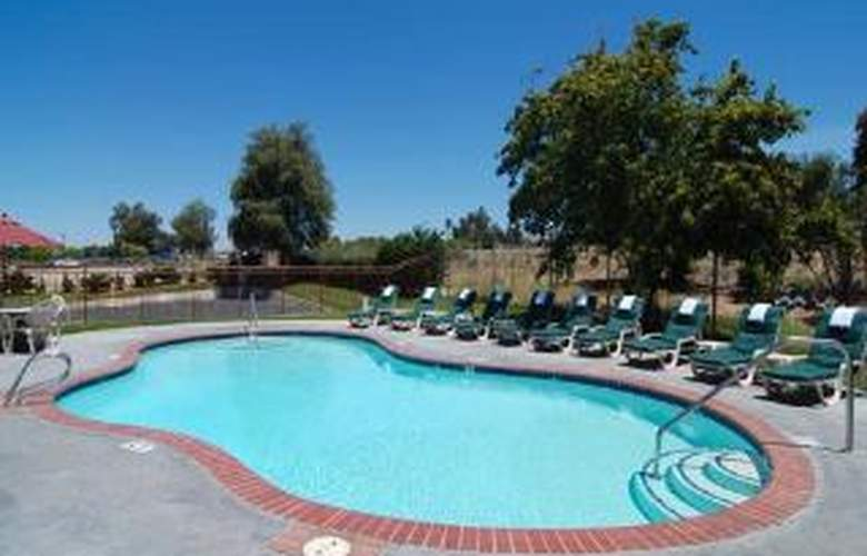 Quality Inn Wine Country - Pool - 5