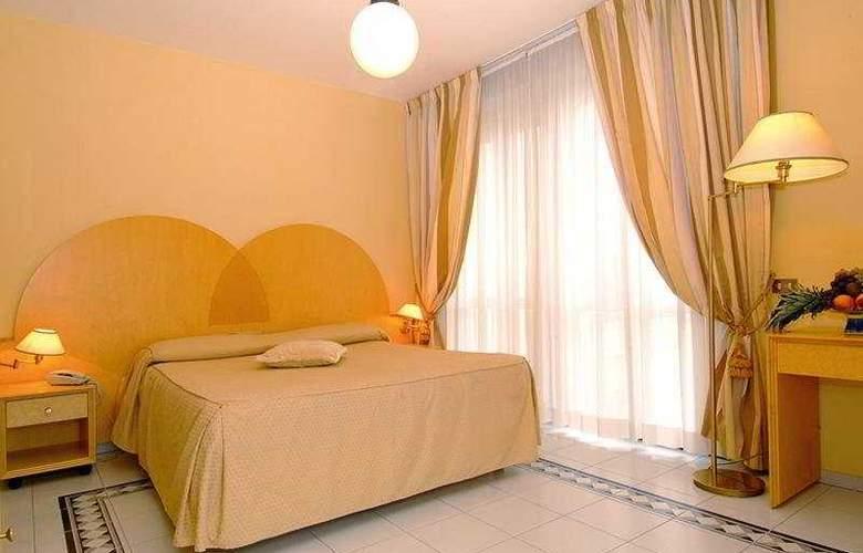 Gran Hotel Cervia - Room - 4