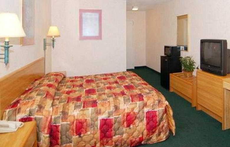 Rodeway Inn Airport - Room - 3