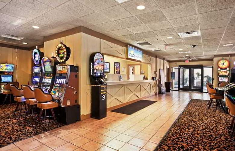 Days Inn-Las Vegas at Wild Wild West Gambling Hall - General - 10