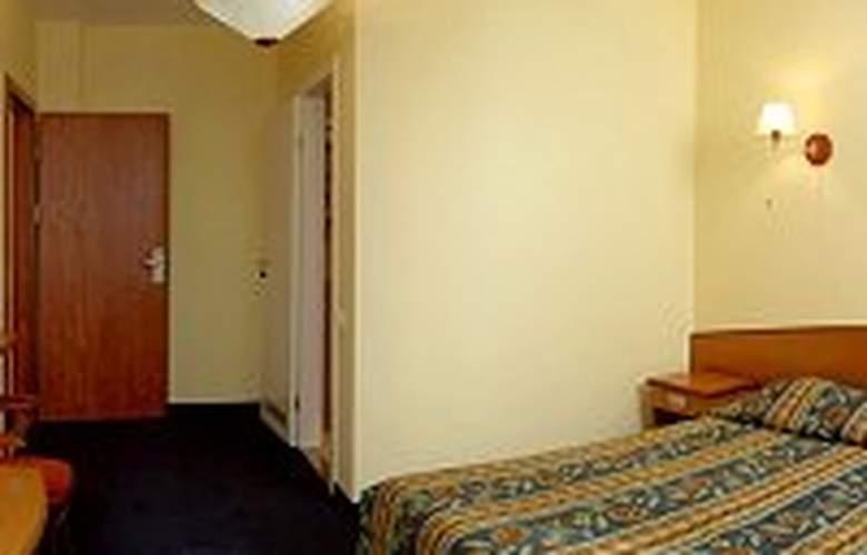 Irina Hotel - Room - 2