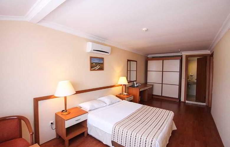 L´ Etoile Beach Hotel - Room - 12