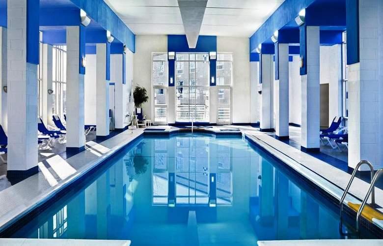 Sheraton Needham - Pool - 9