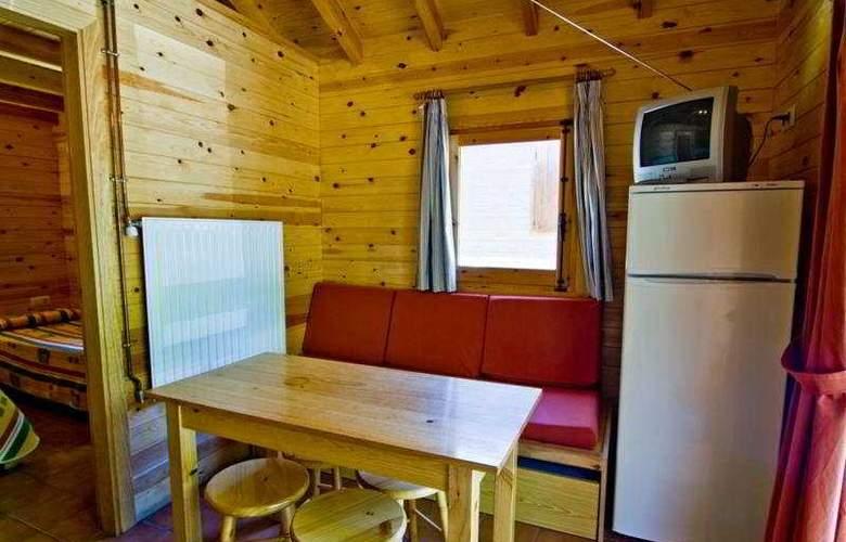 L´Orri del Pallars Bungalows - Room - 7