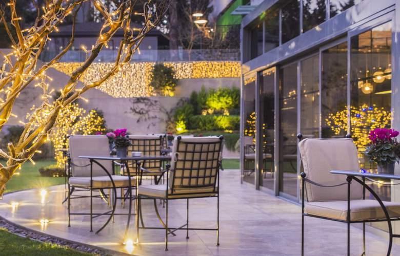 Ceylan Intercontinental - Terrace - 10