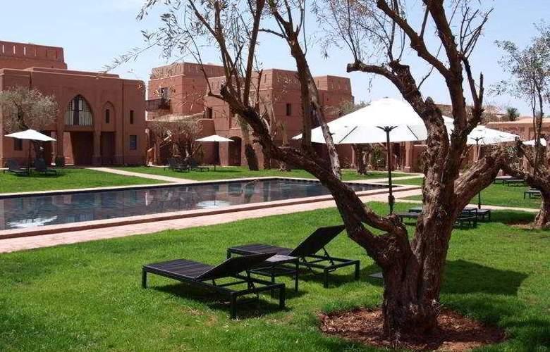 Adama Resort - Pool - 9